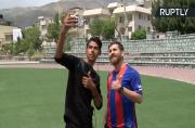 Spot-On Messi Doppelganger Has Barcelona Fans in a Frenzy