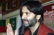 Stung by sting, JKLF chief Yasin Malik attacks India Today crew