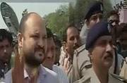 Mandsaur collector heckled and chased by mob of angry farmers