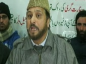Traiter Mufti asks for seperate Muslim nation; Kasganj accused still on the run; more