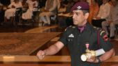 MS Dhoni receives Padma Bhushan dressed in army uniform