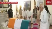 LK Advani pays last respects to Vajpayee