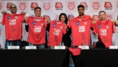 R Ashwin, Mike Hesson and AajTak's Sweta Singh at the announcement of AajTak as the title sponsor of KXIP (Kings XI Punjab Photo)