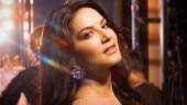 Sunny Leone doing Naagin dance on Teri Aankhiya Ka Yo Kajal is every girl ever. See video