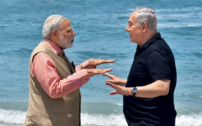 Modi and Netanyahu at the Olga beach, July 6, 2017