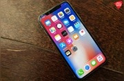 iPhone X users reporting green line on OLED display, crackling or buzzing earpiece speaker