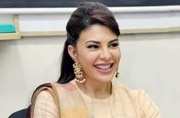 We can't get enough of Jacqueline Fernandez in this easy-breezy saree