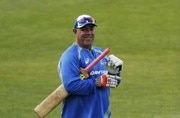 The Ashes: Darren Lehmann takes a dig at England, says 'no curfew on adult Australians'