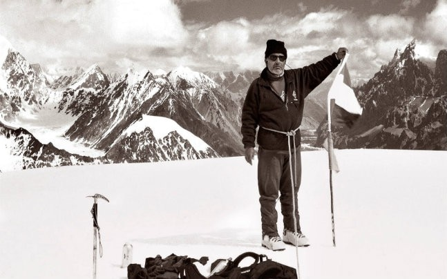Harish Kapadia standing at the northern tip of the Siachen Glacier (Courtesy: HIMALAYAN CLUB/ ROLI BOOKS)