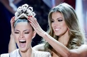 Demi-Leigh Nel-Peters from South Africa wins the title of Miss Universe 2017