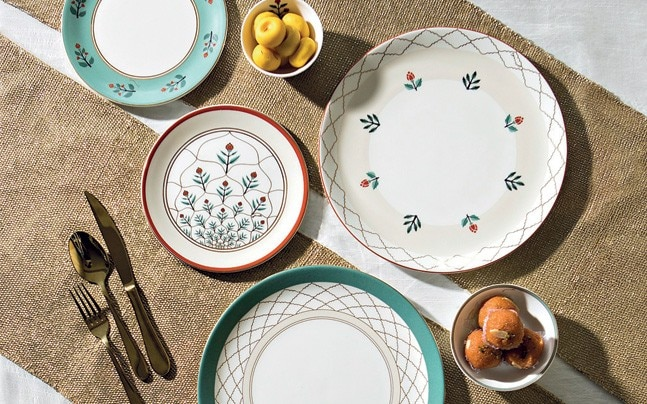 Plates and bowls from the Grand Heritage collection and Gilded Graphic collection