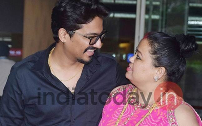 Bharti Singh and Haarsh Limbachiyaa look totally in love as they arrive in Mumbai after tying the knot in a grand ceremony in Goa.