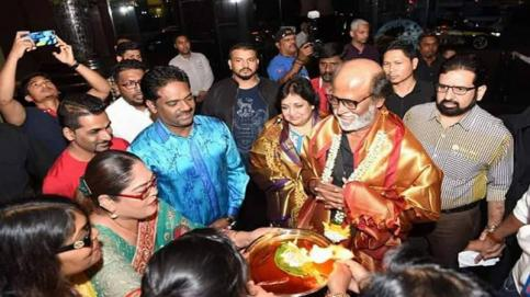 Photos from the Tamil actors' tour to Malaysia is pouring in on social media every minute. Almost all Tamil celebrities seem to have flown to Malaysia for Natchathira Vizha, a grand carnival. Rajinikanth and Kamal Haasan too are expected to meet there.