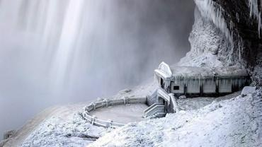 Despite the cold wave that has hit Canada and North USA, people are flocking to see the Niagara Falls in all its frozen beauty. Take a look at current photos of the waterfalls that make for a scenic US-Canadian border...