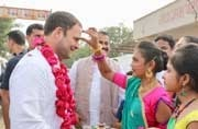 Newly-appointed Congress President-elect Rahul Gandhi greeted by residents of Savli, Vadodara (Photo: Twitter/@INCIndia)