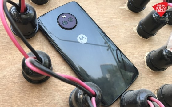 Moto X4 review: A great, compact smartphone with one flaw