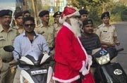 Goa: On Christmas Eve, Santa Claus joins police in spreading awareness about road safety