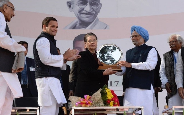 Sonia Gandhi receives memento after vacating the post of Congress president