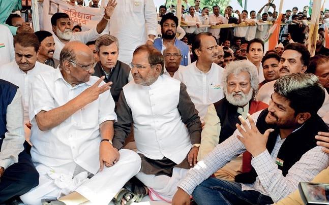 HOT SEATS New BJP state chief Rakesh Singh with CM Chouhan. Photo: Pankaj Tiwari