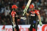 De Villiers, Kohli magic powers Bangalore to thumping win over Pune