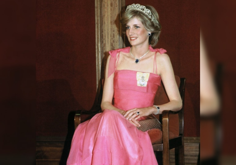 Princess Diana ditched gloves after few years of marriage.
