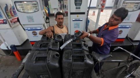 petrol pump strike delhi kejriwal
