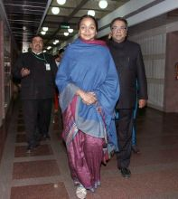 Meira Kumar at all-party meet on 2G scam