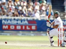 Jacques Kallis on way to his second ton in the Test