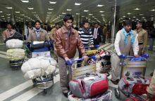 Indian workers working in Libya return home.