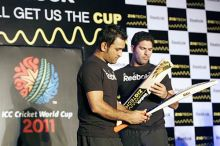 India captain Mahendra Singh Dhoni and Yuvraj Singh