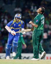 Pakistan paceman Shoaib Akhtar (right) and Sri Lanka opener Upul Tharanga
