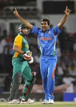 India paceman Zaheer Khan unsuccessfully appeals for the wicket of South Africa batsman Jacques Kallis