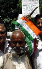 anti-corruption activists, Anna Hazare, Lokpal Bill, Day 5