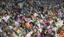 Followers attend the last rites of Sathya Sai Baba