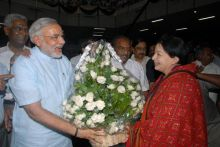 Jayalalithaa and Gujarat Chief Minister Narendra Modi