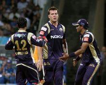 Kolkata allrounder Jacques Kallis celebrates the wicket of Mumbai captain Sachin Tendulkar