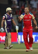 Charl Langeveldt with Yusuf Pathan