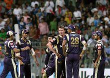 Kolkata paceman Brett Lee celebrates the wicket of Mumbai opener Aiden Blizzard