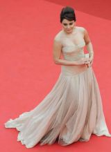 minissha lamba hot at cannes