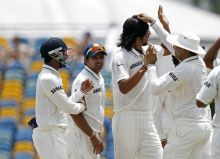India's Ishant Sharma (second right) and team-mates