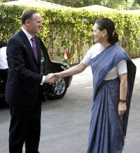 New Zealand Prime Minister John Key, UPA Chairperson Sonia Gandhi