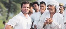 Raul Gandhi with farmers