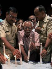 People participate in candle protest against Mumbai serial blasts