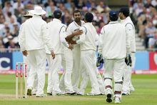Praveen Kumar and team-mates