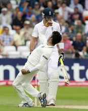 S Sreesanth and Kevin Pietersen