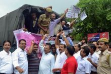 Social and human rights groups demand immediate release of Anna Hazare
