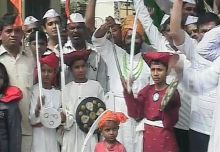 Anna supporters Ralegan Siddhi Maharashtra