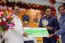 Madhya Pradesh Chief Minister Shivraj Singh Chouhan felicitates ace shooter Omkar Singh