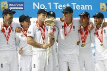 Andrew Strauss with teammates