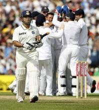 England players celebrate Sachin's dismissal